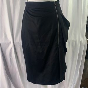 Black MaxMara Wool zippered pencil skirt
